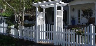 Vinyl Fence in Palm Coast, Florida